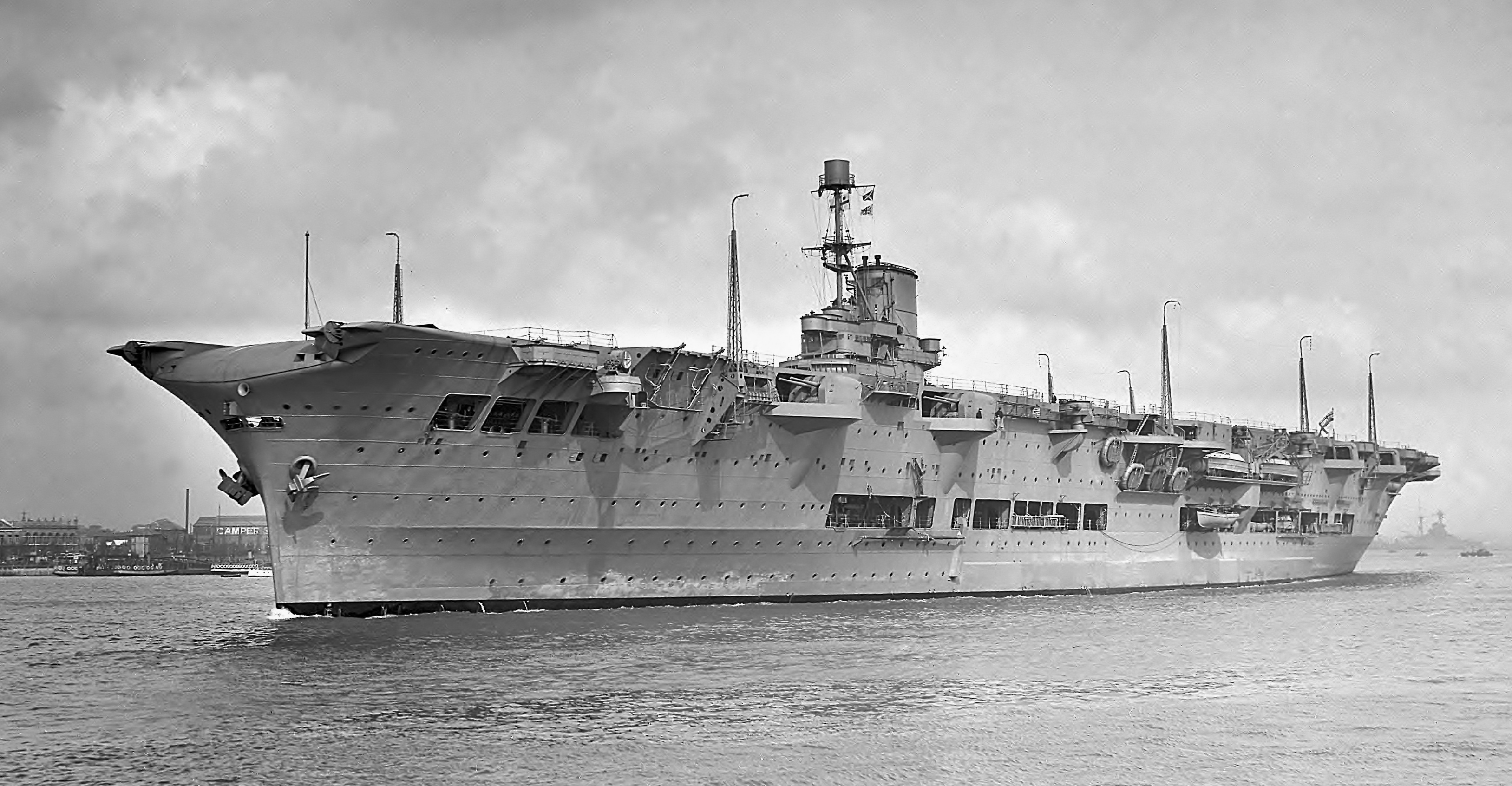 HMS Ark Royal.jpg